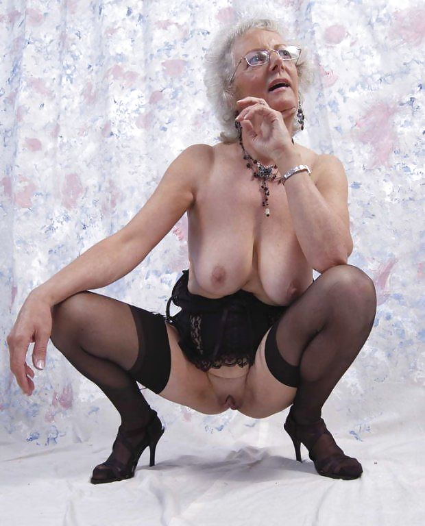 Old Women With Huge Tits 99