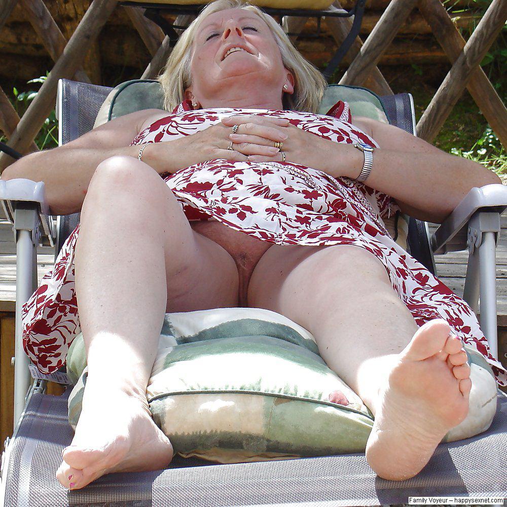 Upskirt phots of hot females