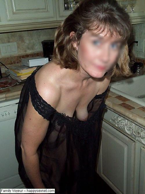 Spyed on mom sex