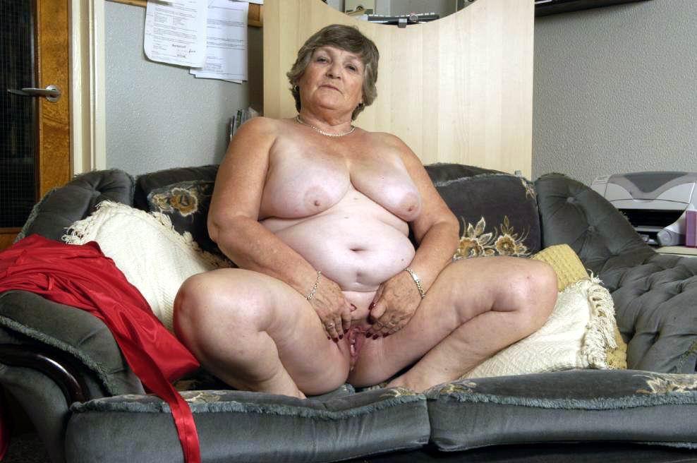 Happy Older Women: http://www.happysexnet.com/samples/older02bis/gals.html