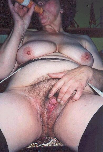 fat-mature-clitoris