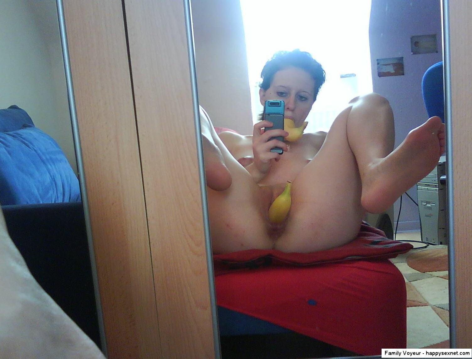 voyeur nude sister